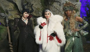 OUAT S4 Heroes & Villains Queens of Darkness Tabloid.io